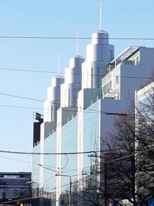 Kolme torni maja Tallinnas /  Three tower building in Tallinn.  Arhitektid / Architects Vilen Künnapu, Ain Padrik. Valminud / Completed 2006