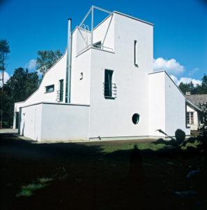 Perekond Vintide eramu Nõmmel /  The Vint family house in Nõmme, Tallinn.  Valminud / Completed 2001