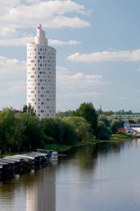 Tigutorn Tartus / Snail tower in Tartu. Arhitektid / Architects Vilen Künnapu, Ain Padrik. Valminud / Completed 2007