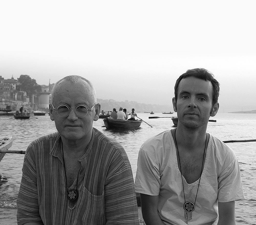 Poeg Augustiga Indias / With son August in India. 2010
